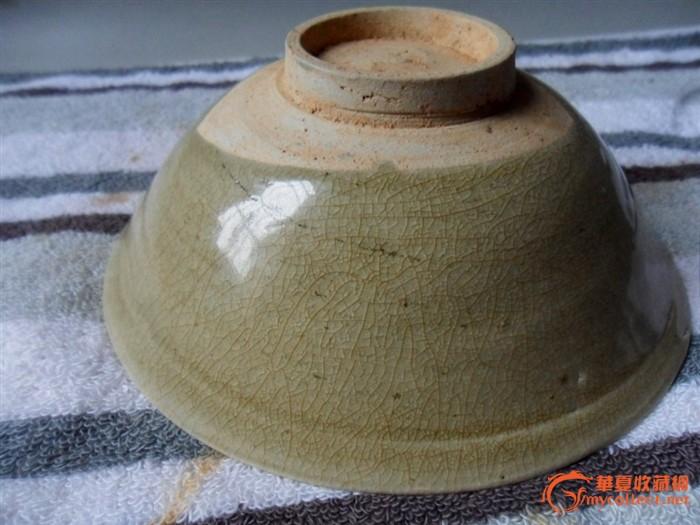 北宋/黄釉/冰裂纹/篦花纹饰碗