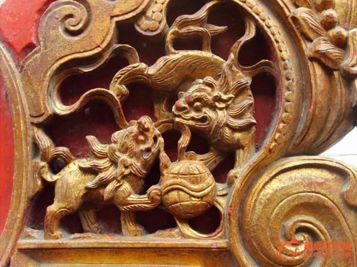 清未民国楠木雕板——狮子滚绣球