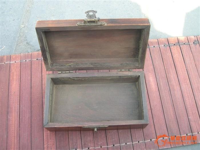 收来的老木头盒子