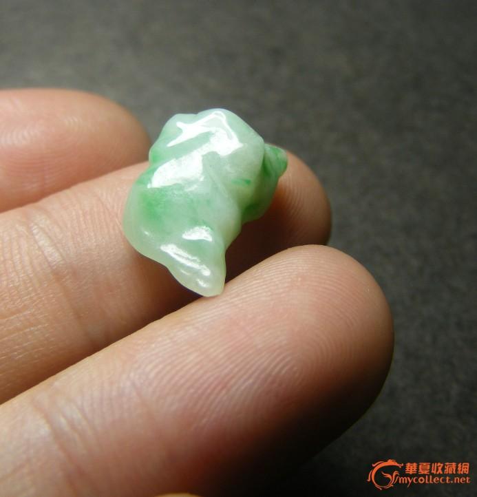 老坑糯米绿种翡翠圆雕小三脚金蟾(无
