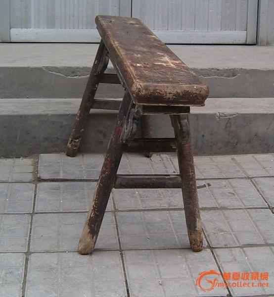 清代花纹木板凳