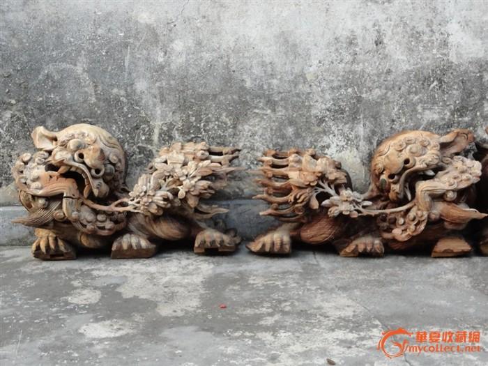 潮州木刻:清樟木雕狮子叼香楻菊花芙蓉花拱梁狮2对4