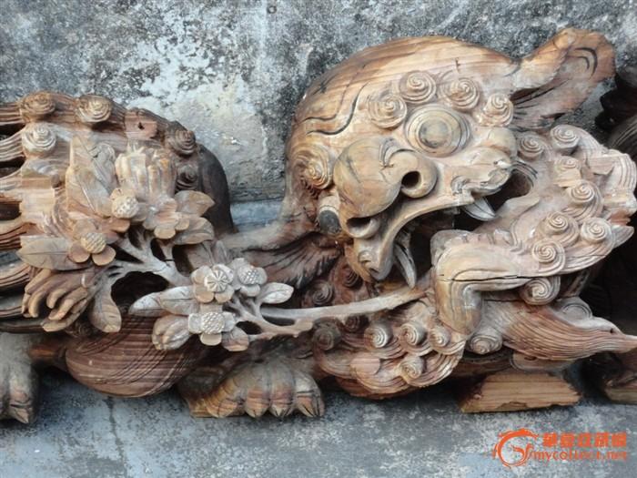 潮州木刻:清樟木雕狮子叼香楻菊花芙蓉花拱梁狮2对4只
