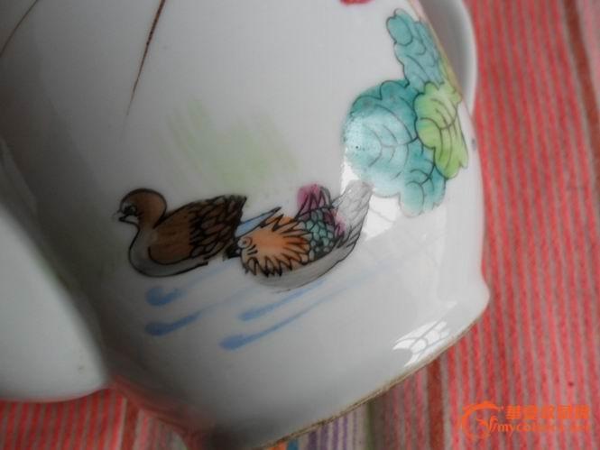 手绘鸳鸯戏水端把老茶壶