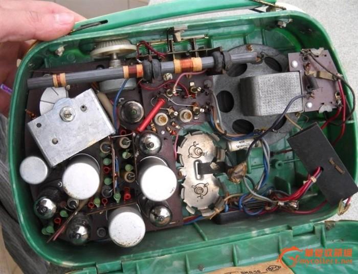 前苏联手提电子管收音机-旅行者号